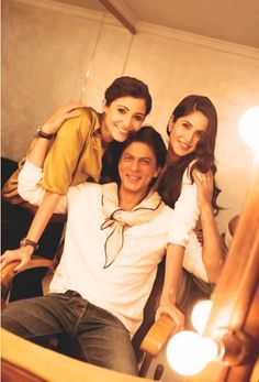 #anushka sharma #katrina kaif #Shahrukh Khan OMG OMG OMG <3 <3 <3 HE NEVER GETS OLD! MYY HEART MY KING HE IS SO YOUNG ANUSHKA AND ALL OF BOLLYWOOD AND GAURI AND HIS FAMILY TO HAVE HIM NEAR AND KNOW HIM . I WISH I MEET HIM ONE DAY by silva srk