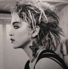 """""""Madonna en los 80's"""" Muestra fotográfica de Richard Corman en la Milk Gallery de New York  Madonna fresca, en en sus inicios. Que placer verla así!"""
