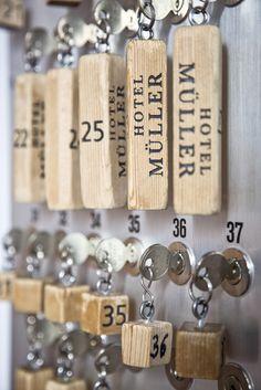 Das Hotel Müller ist ein kleines Schmuckstück mitten in Pontresina.Ein gemütliches Hotel mit viel Charme und nach typischer Engadiner Bauart.