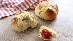 Weggen aus luftigen Hefeteig gehört zum Schweizer Nationalfeiertag einfach dazu. Das leckere Gebäck ist rund um den 1. August ... Superfood, Brunch, Cooking, Youtube Kanal, Breakfast, Healthy, Easy, Recipes, Breads