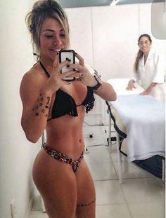 DJ gata, Rapha Andrade comemora suas 'novas curvas'
