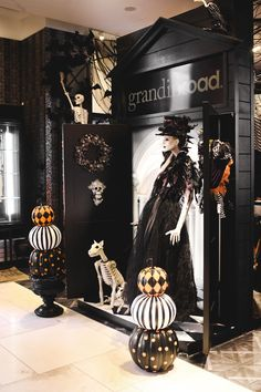 this bloggers halloween dreams came true at our pop up shop in macys herald square