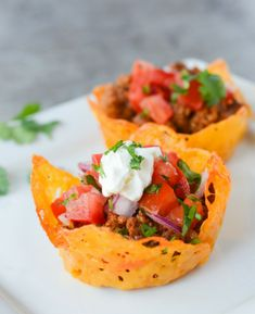 ketogeinc cheese taco cups keto diet healthy lunch dinner10 Ketogenic Meals That Help You Lose Weight: OMG! I just found this out and I have to share it! Have you ever heard of a high fat, high protein and low carb diet? Did you know that such a lifestyle exists? The answer is yes! This diet is called Ketogenic Diet. This keto diet sounds crazy but totally works if you stick to eat! And what's even better you can eat bacon and lose weight! So cool! Pinning for later!