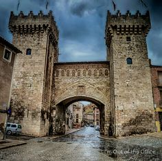 #Daroca is a #city in the province of #Zaragoza #Spain. It's a #fortified complex surrounded by #walls built between the thirteenth and sixteenth century and preserved almost in its entirety. Stands out two defensive #doors at the two main entrances to the city. The Puerta Baja (#Picture here), remodeled in the sixteenth century with two square #towers, and the Puerta Alta, transformed in the seventeenth century. #europe #photography #travel #world #old #historical #Aragon
