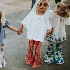 hippie outfits for school spirit week - hippie outfits . hippie outfits for school . hippie outfits for school spirit week . Little Girl Fashion, Toddler Fashion, Kids Fashion, Fashion Clothes, Fashion 2016, Little Girl Style, Fashion Bags, Street Fashion, Babies Fashion