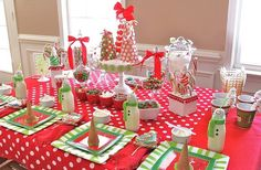 Lovely DIY Ornaments For Kids Christmas Decoration : Fascinating Candies Themed Kids Christmas Party Table Decoration with Red and White Pol. Christmas Party Table, Christmas Table Settings, Christmas Party Decorations, Christmas Tablescapes, Noel Christmas, Birthday Party Decorations, Christmas Crafts, Xmas Party, Christmas Candy