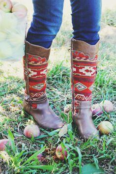 Aztec Boots | IHOD // Cute style for fall // #inhonorofdesign #fallfashion