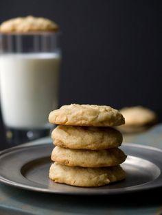 Irish Cream White Chocolate Chip Cookies | Recipes | NoshOnIt