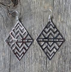 Chevron, earrings, boucles d'oreilles, silver plated, brass, laiton, stainless steel, acier inoxydable, bohemian, boho chic, gypsy, hippie