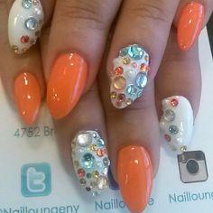 by @rosamnails #nails #nailartist #nailart #naillounge  (at Nail Lounge)