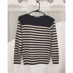 Navy and Beige Mix Striped Sweater This is a gently used striped sweater in good condition. It is size UK 8 and the brand is M&S Woman. M&S Woman Sweaters Crew & Scoop Necks