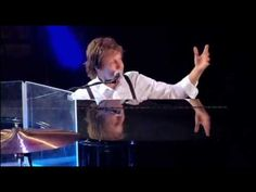 "PAUL McCARTNEY ~ ""Hey Jude/Day Tripper/Lady Madonna"" LIVE."