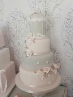 wedding cake suppliers gloucestershire vintage lace birdcage wedding cake bristol pretty amazing 25827
