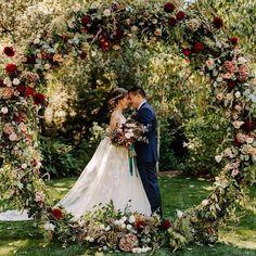 Green and burgundy wedding wreath backdrop 2 #wedding #weddings #greenwedding #weddingblog #weddinginspiration #green #deerpearlflowers #weddingcolors