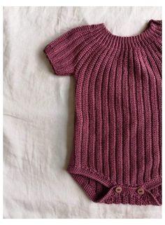 Crochet Romper, Crochet Girls, Crochet Baby Clothes, Knitted Baby Romper, Crochet Hooks, Baby Boy Knitting Patterns, Baby Patterns, Knit Patterns, Crochet Pattern