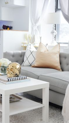 Learn how to transform your rental apartment on a budget for under $500 #budgetfriendlydecoratingideas #decoratingideas #decoratingideasforapartments #rentalhomedecoratingdiy #smalllivingroomideas #smallapartmentdecorating Buy Living Room Furniture, Diy Living Room Decor, Living Room White, Living Room Carpet, Rugs In Living Room, Home Decor, City Chic, Studio Apartment Decorating, Rental Decorating
