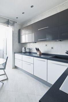 31 Best Of Modern White Gloss Kitchen Ideas . Grey and White Gloss Kitchen by Boconcept Designers Neutral Kitchen Designs, Kitchen Room Design, Kitchen Cabinet Design, Modern Kitchen Design, Kitchen Interior, Kitchen Colors, Kitchen Ideas, Kitchen Inspiration, Kitchen Hacks