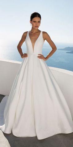 Justin Alexander Wedding Dresses: Timeless Silhouettes ❤  ❤ Full gallery: https://weddingdressesguide.com/justin-alexander-wedding-dresses/ #bridalgown #weddingdresses2018 #wedding #bride