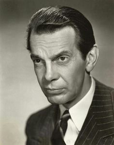 A biography and filmography of Raymond Massey, who became best known as Dr Gillespie in the Dr Kildare TV series, but who previously had enjoyed a glittering career on both Hollywood and Broadway. Hollywood Stars, Hollywood Men, Golden Age Of Hollywood, Classic Hollywood, Vintage Hollywood, Actor Secundario, Best Actor, Paulette Goddard, Cary Grant