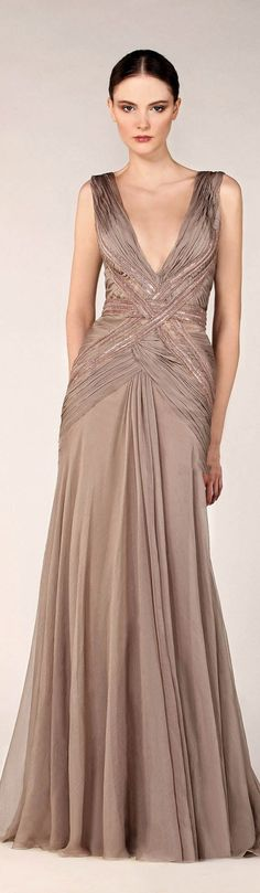 I love the crisscross details Tony Ward Fall Winter Fabulous Dresses, Pretty Dresses, Beautiful Outfits, Beautiful Evening Gowns, Evening Dresses, Couture Fashion, Runway Fashion, Women's Fashion, Sexy Gown