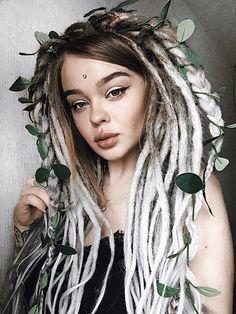 Thin Dreads, Dreadlocks Girl, Faux Dreads, Wool Dreads, Locs, Girl With Dreads, Dreadlock Hairstyles, Cool Hairstyles, Dreads Styles