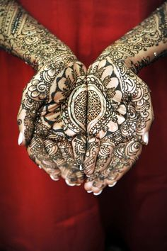 Yeah, the Beautiful Mehandi Designs for Weddings is something without which no bride could feel complete on her wedding day.