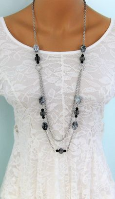 everyday life style necklace handmade casual necklace triangle necklace made in Thailand beads necklace Elegant blue triangle necklace