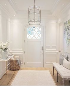 31 Colorful Foyer Decor For Ending Your Home Improvement - Interior Design Fans Design Entrée, House Design, Design Ideas, Foyer Design, Style At Home, Foyer Bench, Decoration Entree, Sweet Home, Small Entryways