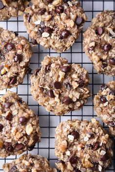 Superfood Breakfast Cookies is part of Breakfast cookies - These cookies are jampacked with nutritious and healthy ingredients Free of gluten, dairy, & refined sugar, and also vegan friendly! Gluten Free Oats, Gluten Free Cookies, Cookies Vegan, Bar Cookies, Healthy Cookies, Dairy Free, Cookie Recipes, Dessert Recipes, Desserts