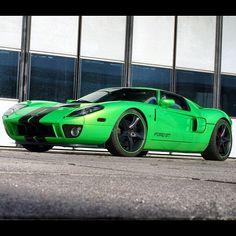 Awesome Lime Green Ford GT40 | repinned by www.BlickeDeeler.de | Follow us on www.facebook.com/BlickeDeeler