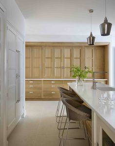Our kitchen showroom in Altrincham features our luxury kitchens in stunning room sets. Our expert designers are on hand to offer design advice. Bespoke Kitchens, Luxury Kitchens, Martin Moore Kitchens, Oak Frame House, Altrincham, Kitchen Showroom, Luxury Kitchen Design, Handmade Kitchens, Stone Flooring