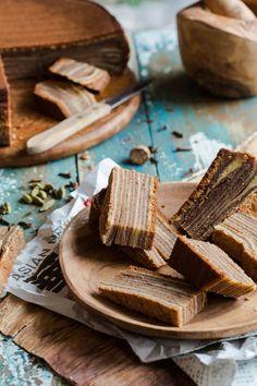 #KatieSheaDesign ♡❤ ❥ ▶  Layered Cake What a luscious dessert! via @Simone van den Berg