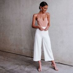 Minimalist Fashion - My Minimalist Living Look Fashion, Trendy Fashion, Womens Fashion, Fashion Design, Fashion Trends, Classic Fashion, Fall Fashion, Classy Outfits, Trendy Outfits
