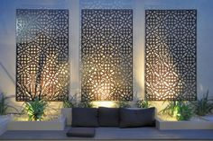 Enjoy your relaxing moment in your backyard, with these remarkable garden screening ideas. Garden screening would make your backyard to be comfortable because you'll get more privacy. Outdoor Screens, Outdoor Walls, Outdoor Rooms, Outdoor Privacy, Metal Garden Screens, Outdoor Life, Outdoor Wall Panels, Outdoor Metal Wall Art, Backyard Privacy