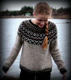 The Effective Pictures We Offer You About pulli sitricken mehrfarbig A quality picture can tell you Icelandic Sweaters, Warm Sweaters, Fair Isle Knitting, Hand Knitting, Knitting Sweaters, Knitting Patterns Free, Knit Patterns, Punto Fair Isle, Pulls