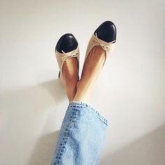7 Magnificent Hacks: Chanel Shoes Bicolor new balance shoes boys. Wedge Shoes, Shoes Heels, Flat Shoes, Women's Flats, Shoes Sneakers, Yeezy Shoes, Platform Shoes, Converse Shoes, Adidas Shoes