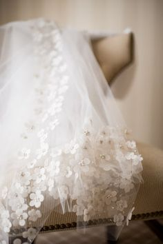 wedding veil. love the detail of the flowers.