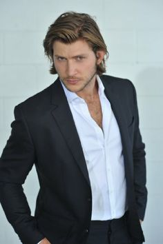 """Greyston Holt, currently starring as Clay in tv's """"Bitten"""", born in Calgary, Alberta, Canada"""