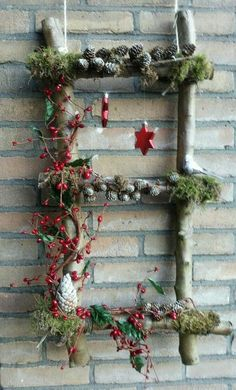 Very nice Christmas decorations that you will love in less than a .- Sehr schöne Weihnachtsdekorationen, die du in weniger als einer Stunde selbst a… Very nice Christmas decorations that you can make in less than an hour – DIY crafting ideas – - Country Christmas Decorations, Farmhouse Christmas Decor, Rustic Christmas, Xmas Decorations, Noel Christmas, Winter Christmas, Christmas Wreaths, Christmas Ornaments, Christmas Projects