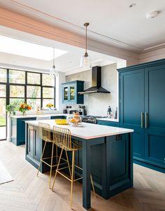 Small Open Plan Kitchens, Open Plan Kitchen Dining Living, Kitchen Diner Extension, Open Plan Kitchen Diner, Living Room Kitchen, Kitchen Layout, Home Decor Kitchen, Kitchen Interior, Home Kitchens