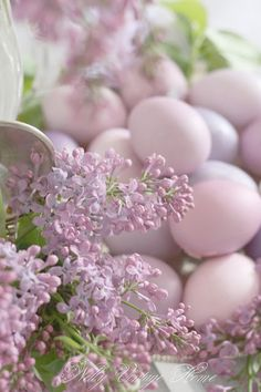 Lilac & Spring Eggs, not just for Easter. Happy Easter, Easter Bunny, Easter Eggs, Easter Table, Ideas Actuales, Deco Nature, Easter Parade, Beltane, Pretty Pastel