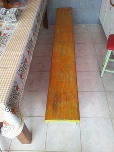 Como revitalizar um banco de madeira. http://oficinadoquintal.blogspot.com.br/2014/05/como-revitalizar-um-banco-de-madeira.html