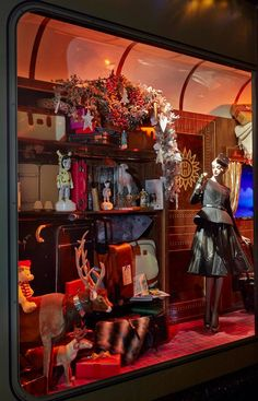 The Harrods Christmas Express 2013 http://www.harrods.com/content/misc/boutiques/gift-guide?cid=scm_pip_pint_gift_181113