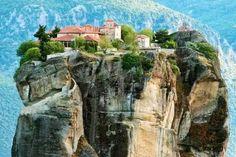 Meteora, Greece photo via dannie 風景