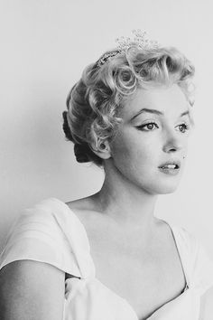 Marilyn Monroe photographed by Milton Greene, Marilyn Monroe Photos, Marylin Monroe, Hollywood Glamour, Old Hollywood, Divas, Cinema Tv, Milton Greene, Imperfection Is Beauty, Hugh Hefner