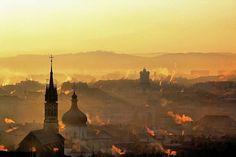Kto chciałby mieć taki widok z okna? Piękna panorama Przemyśla. #miasto #Przemyśl #Podkarpacie #zabytki / #Poland #city #travel #views Timeline Photos, Poland, Scenery, Landscape, Places, Painting, Beauty, Art, Art Background