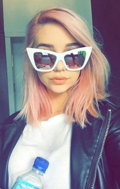 Amanda Steele's pink hair is goalsss!