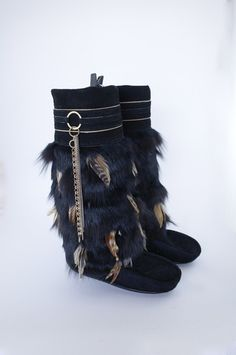 Black Mukluks with MultiBrown Feathers by Jped on Etsy Winter Flats, Winter Snow Boots, Fur Boots, Shoe Boots, Cute Shoes, Me Too Shoes, Hippie Boots, Hobo Chic, Boot Jewelry