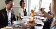 Geniesse einzigartige Mittagessen bei privaten Köchinnen und Köchen. Finde jetzt…