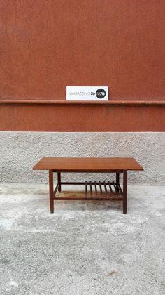 Tavolo da caffe rettangolare in teak con secondo ripiano a listelli e zampe in massello a sezione quadrata 1960 Di ottima fattura, non presenta segni. Misure 80x40x35 #magazzino76 #viapadova #Milano #nolo #viapadova76 #M76 #modernariato #vintage #industrialdesign #industrial #industriale #furnituredesign #furniture #mobili #teak #design #designscandinave #modernfurniture #antik #antiquariato  #divani #tavolino #anni60 #coffeetable